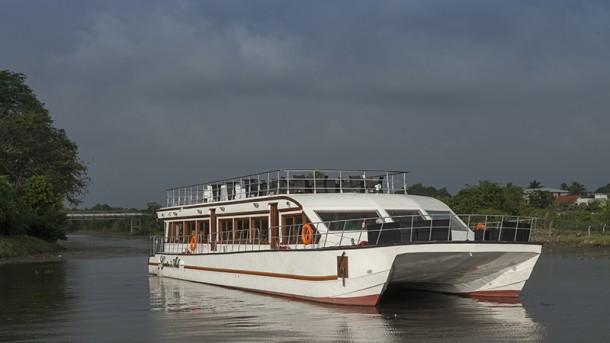 Garton's Ark Sailing Restaurant